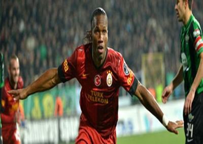 ولد الاعب كرة القدم الإفواري ديدييه دروغبا Didier Drogba
