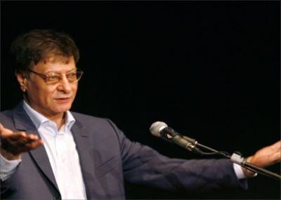 ولد الشاعر الفلسطيني محمود درويش