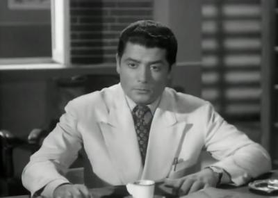 توفي الممثل المصري شكري سرحان
