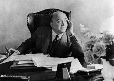 توفي العالم الكميائي الألماني فريدريش بيرغيوس Friedrich Bergius