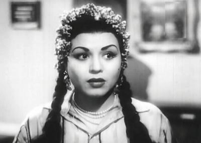 توفيت الممثلة والمغنية المصرية درية احمد