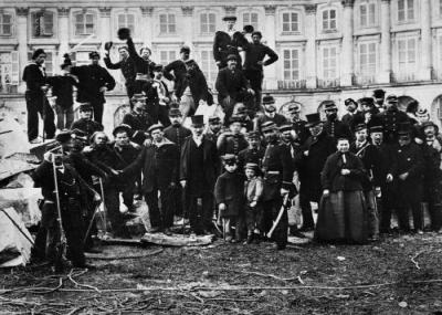 الحكومة الفرنسية تغزو كميونة باريس