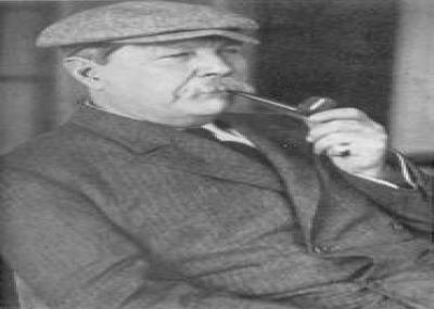 ولد كونان دويل (Conan Doyle) مبتدع شخصية شارلوك هولمز
