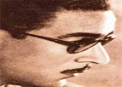 ولد الشاعر مرسي جميل عزيز