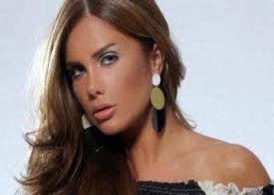 ولدت المغنية والممثلة نيكول سابا