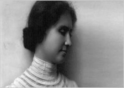"""ولدت الأديبة الأمريكية هيلين كيلر """"Helen Keller"""""""