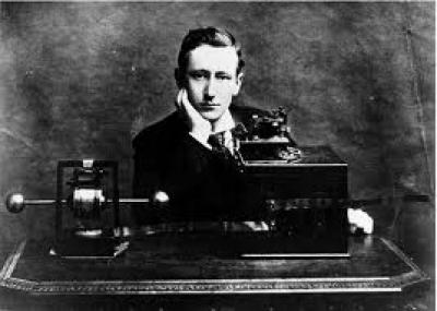مولد العالم الايطالي جوليلمو ماركوني (Guglielmo Marconi)
