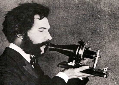 """وفاه مخترع الهاتف ألكسندر غراهام بيل """"Alexander Graham Bell"""""""