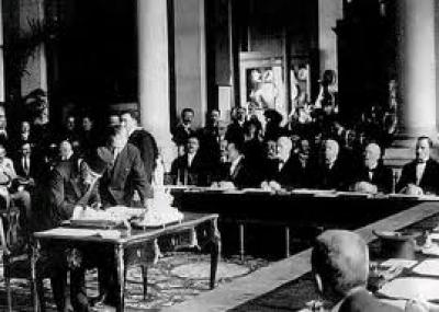 توقيع معاهدة سيفر