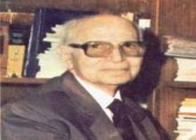 ولد الكاتب والمؤرخ المصري حسين مؤنس