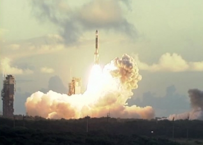 ناسا تطلق المسبار فجر Dawn