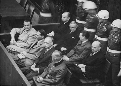 محكمة نورنبيرغ تصدر أحكام الإعدام وبالسجن المؤبد على زعماء نازيين
